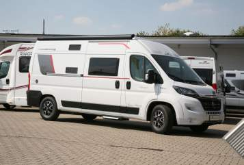 Hire a motorhome in Witten from private owners| Rollerteam Advance 590