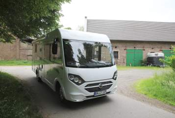 Hire a motorhome in Pulheim from private owners| Carado  Pitter
