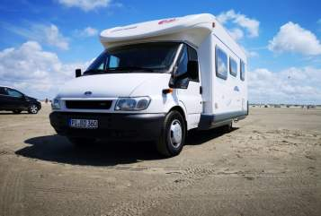 Hire a motorhome in Quickborn from private owners| Eura Mobil  Eddy WOMOnizer