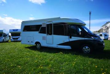 Hire a motorhome in Selent from private owners| Hobby  Legolas