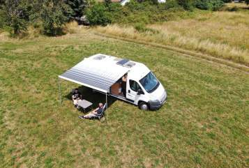 Hire a motorhome in Neunkirchen from private owners| Hymer Alohamobil
