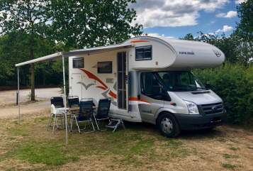Hire a motorhome in Altena from private owners| EuraMobil GoldiMobil