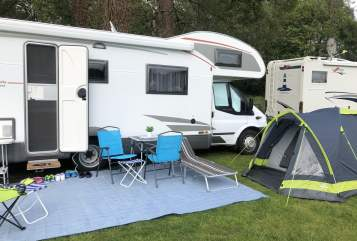 Hire a motorhome in Korschenbroich from private owners| Ford Transit Bürstner Reimondo