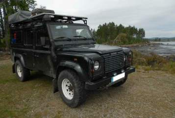 Hire a motorhome in Nienhagen from private owners| Land Rover Atreju Defender