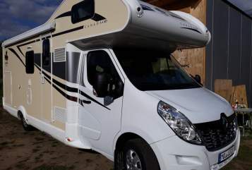 Hire a motorhome in Fredersdorf-Vogelsdorf from private owners| Renault - Ahorn - Camp Canada - Lotti