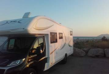 Hire a motorhome in München from private owners| Mc Louis Forster Mc Louis Twid