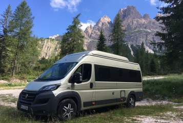Hire a motorhome in Putzbrunn from private owners  HYMER Minister