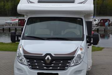 Hire a motorhome in Freital from private owners| Ahorn WoMo
