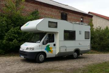 Hire a motorhome in Heidesee from private owners| Knaus Heidi