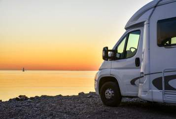 Hire a motorhome in Stade from private owners| Weinsberg Luigi