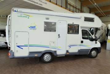 Hire a motorhome in Köln from private owners| Chausson Dindi