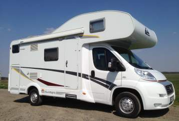 Hire a motorhome in Cremlingen from private owners| Fiat Roadsurfer