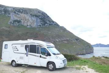 Hire a motorhome in Genthin from private owners| Hymer Hymer T 678 CL