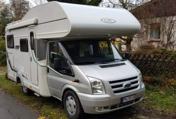 Hire a motorhome in Teltow from private owners| LMC BOB