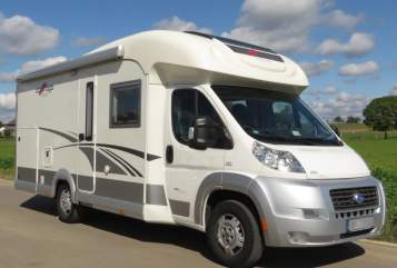 Hire a motorhome in Wäschenbeuren from private owners| Carthago Triglav