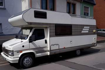 Hire a motorhome in Merchweiler from private owners| Hymer Ottmar