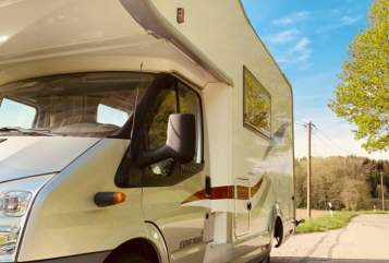 Hire a motorhome in Reichertshausen from private owners| Eura Mobil Eura Mobil