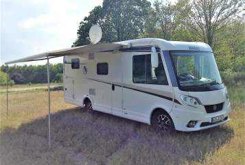 Hire a motorhome in Woltersdorf from private owners| Knaus  sun keeper