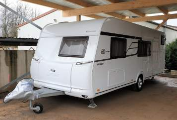 Hire a motorhome in Gelsenkirchen from private owners| Hymer-Eriba Wohni