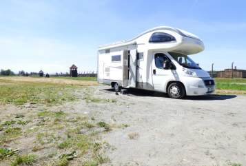Hire a motorhome in Rietschen from private owners| Mobivetta  MobiDick