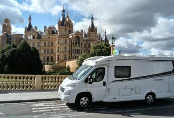 Hire a motorhome in Schwerin from private owners| Weinsberg Schneckenhaus