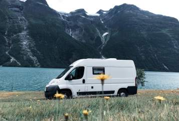 "Hire a motorhome in Köln from private owners| Peugeot ""Olaf"" der Van"