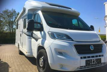 Hire a motorhome in Pleiskirchen from private owners| Knaus  Amalfine