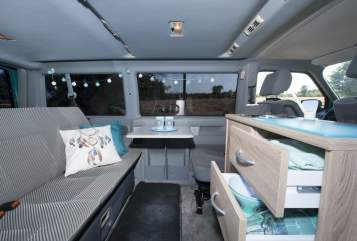 Hire a motorhome in Mierlo from private owners| VW Dreamcatcher
