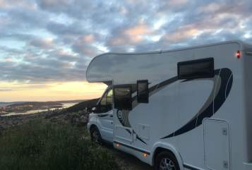 Hire a motorhome in Bonn from private owners| Chausson Das Raumwunder