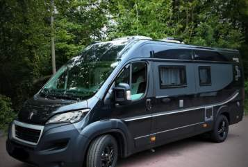 Hire a motorhome in Hilden from private owners| BRAVIA Easy Rider