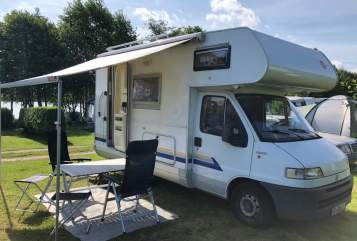 Hire a motorhome in Klein Rönnau from private owners| Bürstner Der Kleine