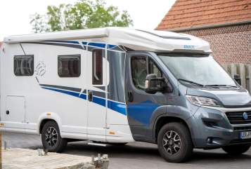 Hire a motorhome in Rhauderfehn from private owners| Knaus Axel