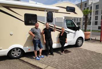 Hire a motorhome in Neulingen from private owners| Ahorn Einhorn