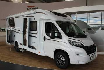 Hire a motorhome in Markgröningen from private owners| Carado Carado T447 800