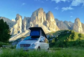 Hire a motorhome in Füssen from private owners| Mercedes Sven's Camper