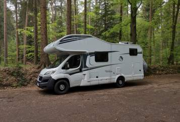 Hire a motorhome in Fahrenbach from private owners| Knaus Birdy