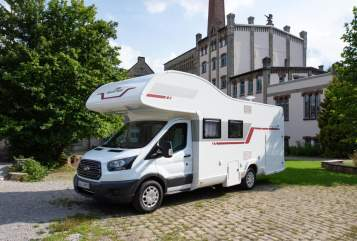 Hire a motorhome in Detmold from private owners| Roller Team (t)Raumwunder