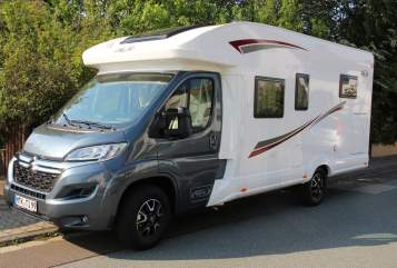 Hire a motorhome in Hofheim am Taunus from private owners| PLA Happy