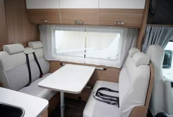 Hire a motorhome in Düsseldorf from private owners  Carado Maxi A 464 2019