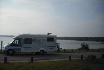 Hire a motorhome in Mönchengladbach from private owners| T.E.C. Wonny