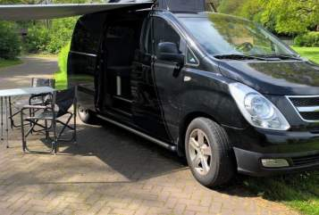 Hire a motorhome in Hoogeveen from private owners  Hyundai Black Beauty