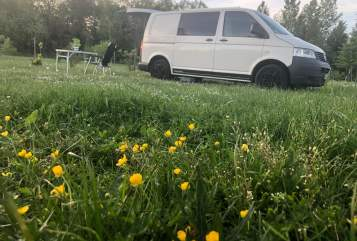 Hire a motorhome in Hannover from private owners| VW Carlo d. Camper