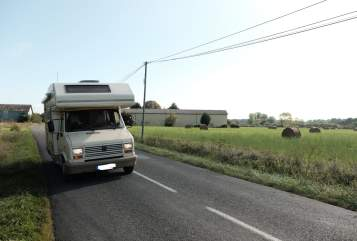 Hire a motorhome in Stuttgart from private owners| Peugeot J5  Bambi