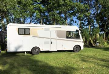 Hire a motorhome in Wetzlar from private owners| Carado I 449
