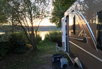 Hire a motorhome in Hamburg from private owners| Bürstner Scotty Hamburg