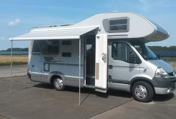 Hire a motorhome in Oldenburg from private owners| Knaus Hirsch