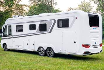 Hire a motorhome in Emden from private owners| Knaus Dicke Sonne New