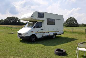 Hire a motorhome in Kiel from private owners| Mercedes  Nigel
