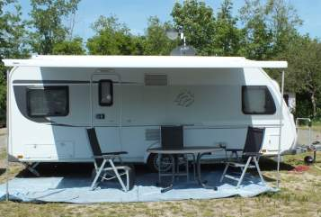 Hire a motorhome in Tirschenreuth from private owners| Knaus Family-Camper