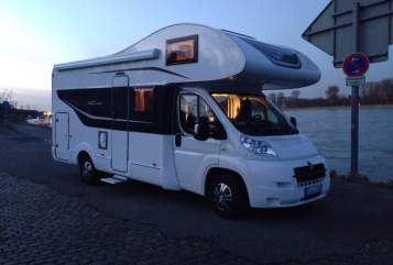 Hire a motorhome in Bergisch Gladbach from private owners| Bürstner  Noah